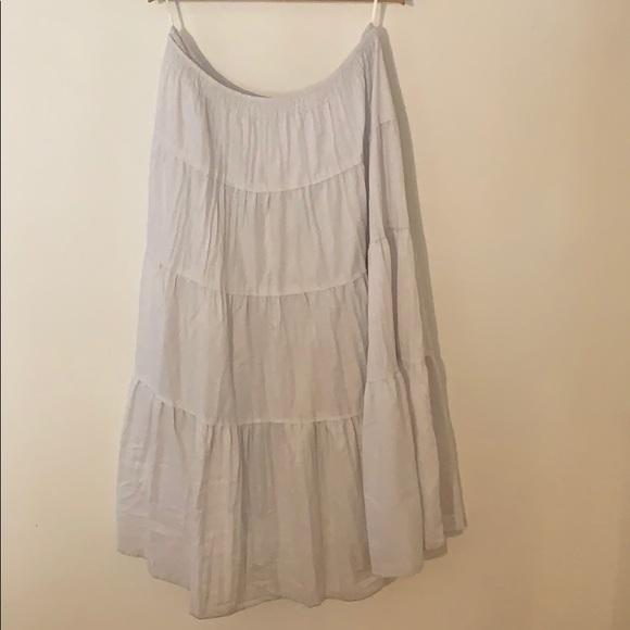 White House Black Market Dresses & Skirts - White flowy skirt